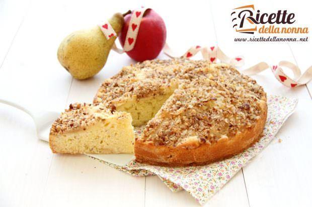 Ricetta torta con pere, mele e nocciole