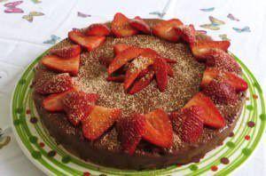 Cremoso al cioccolato, fragole e cannella