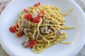 Spaghetti con alici al forno