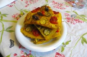 Farinata con noci, pomodorini e zucchine
