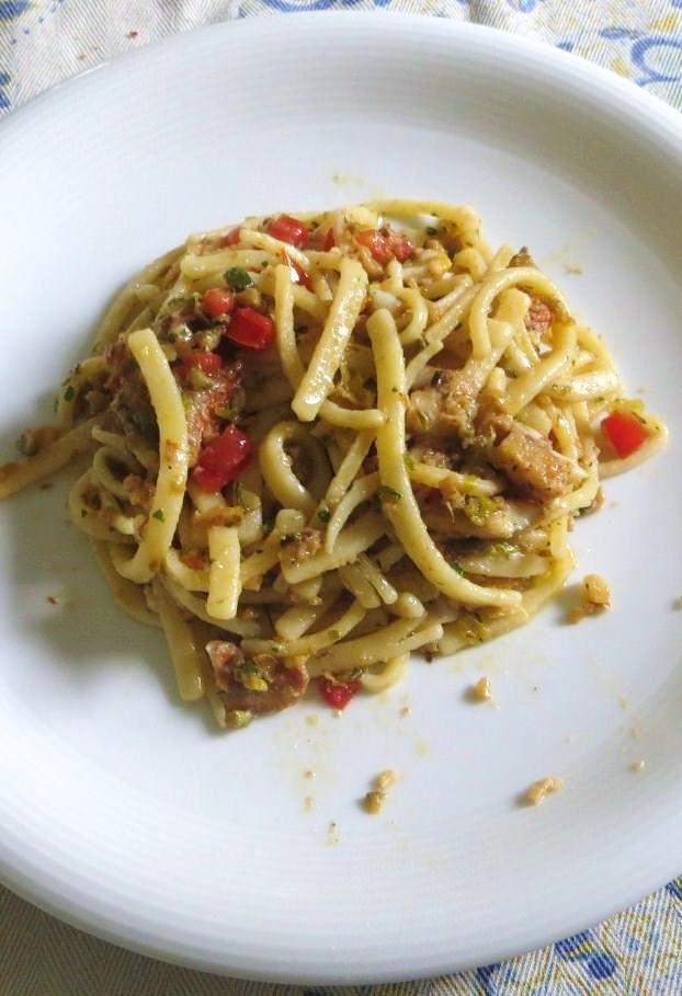 Scialatelli con noci, zucchine e triglie ricetta e foto