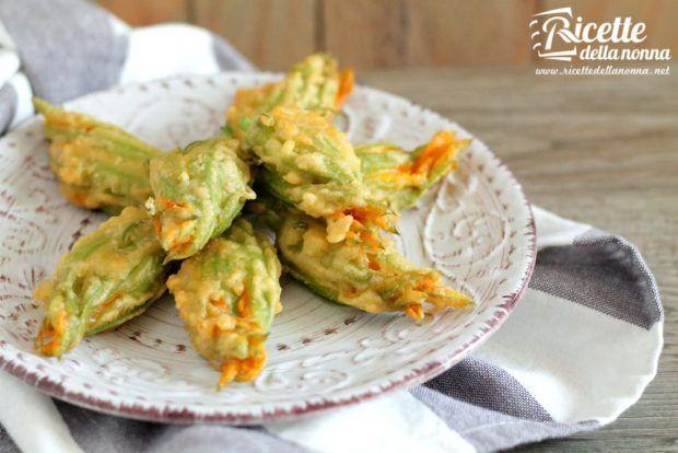 Fiori di zucca fritti in pastella ricetta e foto