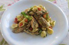 Orecchiette con alici, limone e zucchine