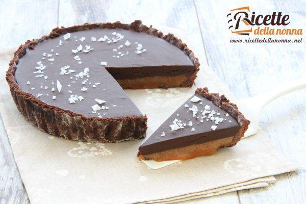Crostata al cioccolato al caramello salato