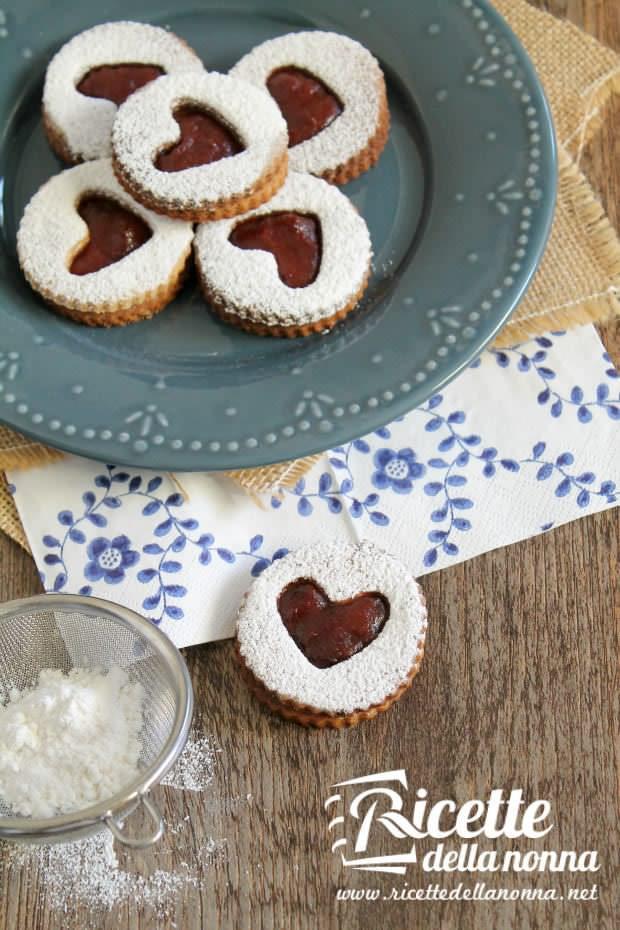 Linzer cookies alle noci e grano saraceno 2