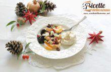 Macedonia speziata di frutta secca e mousse alla ricotta