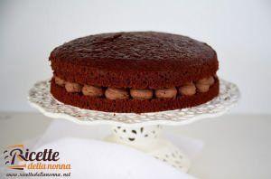 Torta al cacao con ganache montata al cioccolato