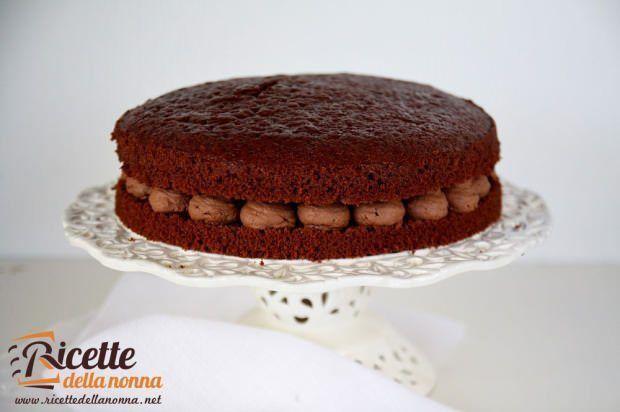 Torta-al-cacao-con-ganache-montata-al-cioccolato