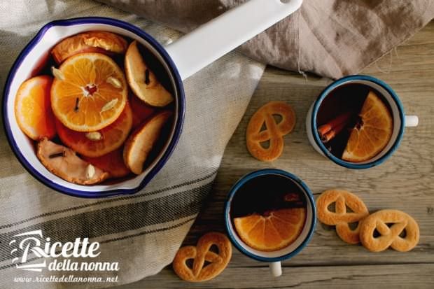 Vin brulè speziato aranci mela