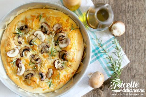 Pizza bianca funghi tartufo erbe