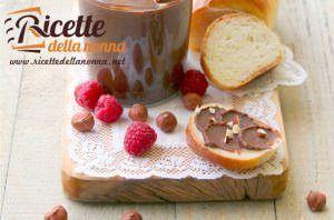 Crema spalmabile alla nocciola e cioccolato