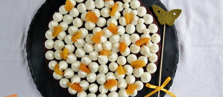 Torta al cioccolato con crema all'arancia