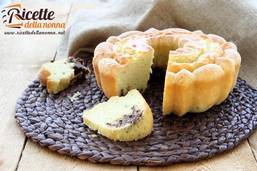 Ciambellone con cuore di cioccolato al latte ricette for Ricette torte semplici
