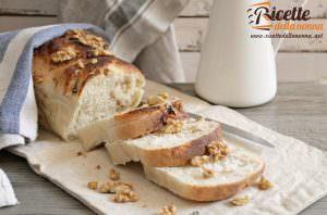 Pan nociato al pecorino