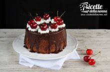 Chiffon cake al cioccolato e ciliegie