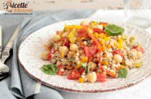 Insalata di grano saraceno, ceci e peperoni alla cannella