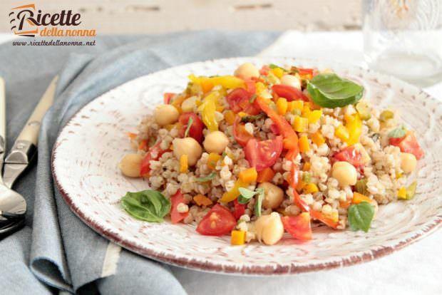 Ricetta insalata di grano saraceno, ceci e peperoni alla cannella