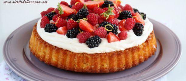 Ricetta torta allo yogurt con frutti di bosco