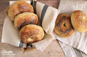 Bagels facili, soffici e gustosi