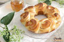 Corona di pan brioche al miele