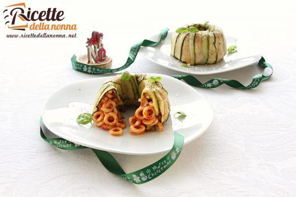Timballi di pasta foderati di zucchine