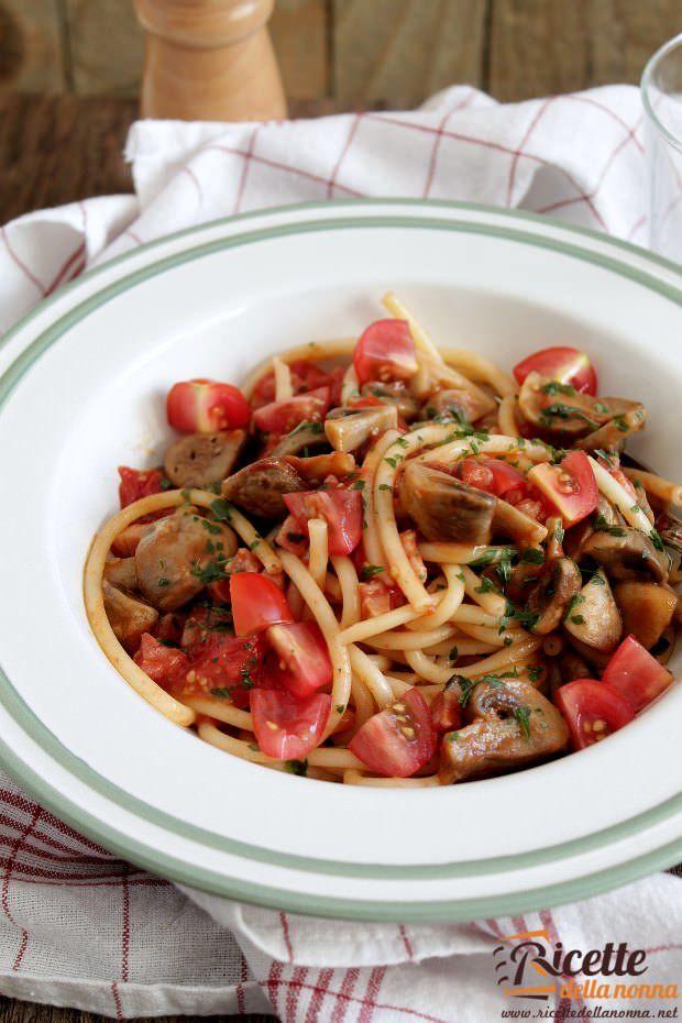 Vermicelli champignon, gunciale e pomodorini ricetta e foto