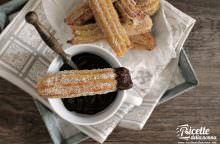 Churros spagnoli con salsa al cioccolato