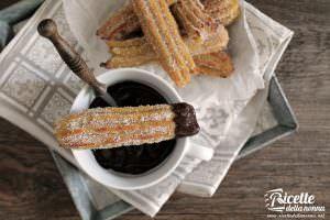 Ricetta churros spagnoli e salsa al cioccolato