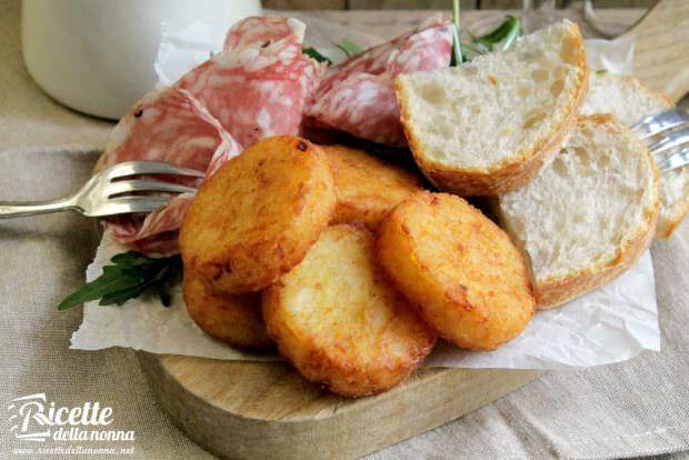 Ricetta frittelle di patate e cipolle