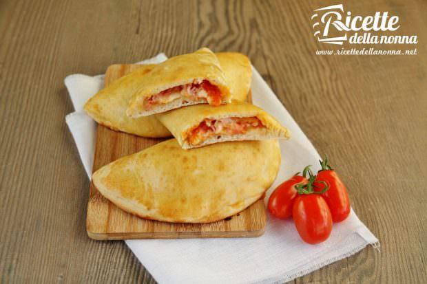 calzoni-prosciutto-mozzarella-al-forno