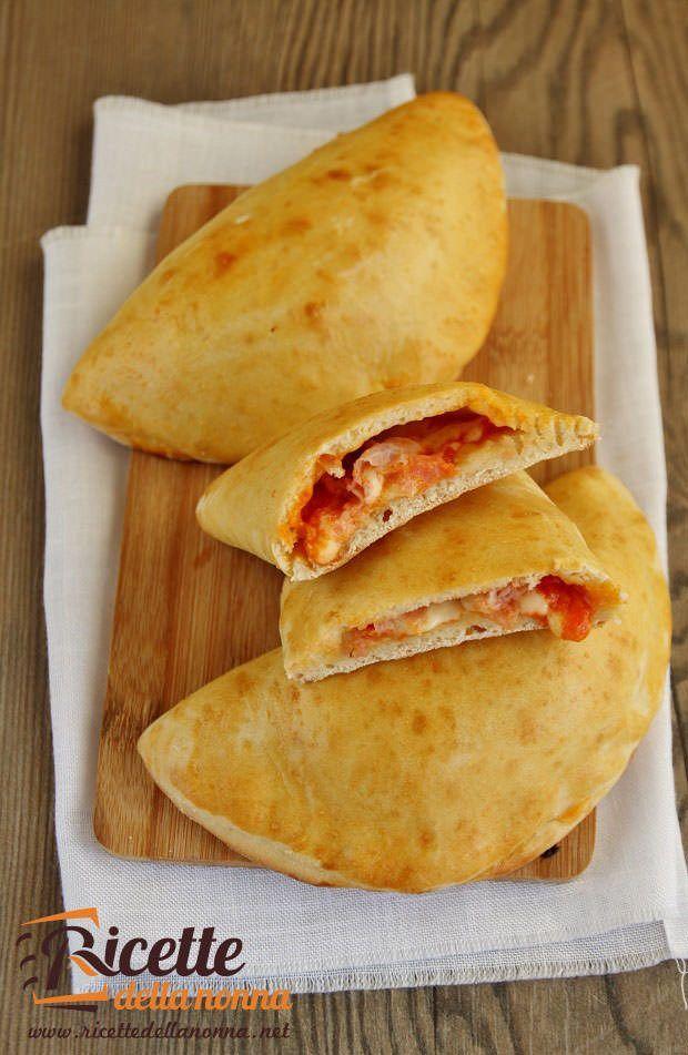 foto-calzoni-prosciutto-mozzarella-al-forno