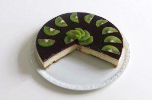 Torta allo yogurt con more, pere e kiwi