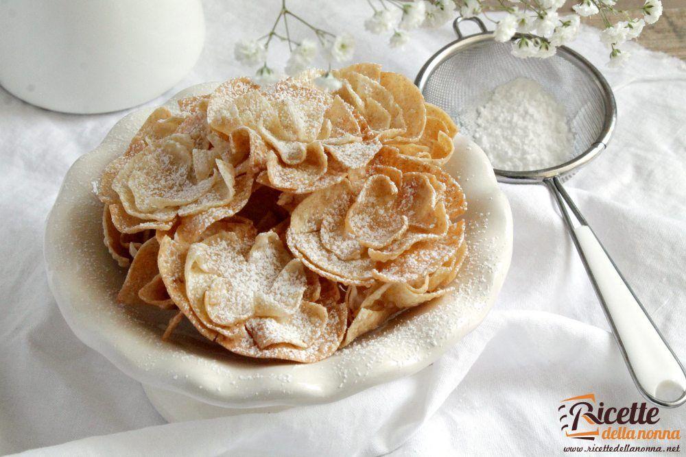 Roselline di carnevale ricette della nonna for Ricette facili dolci