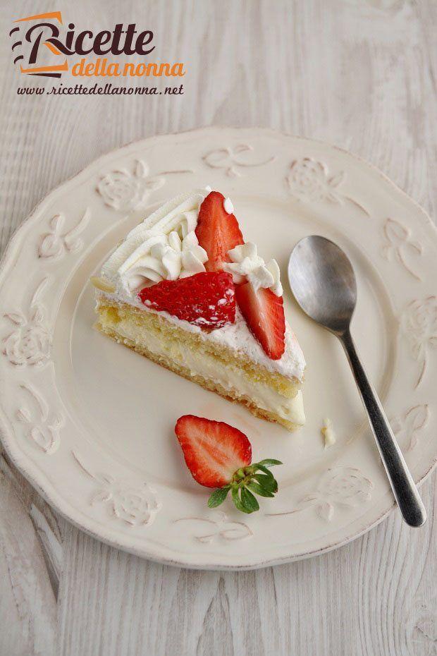 foto-torta-alle-mandorle-e-crema-chantilly
