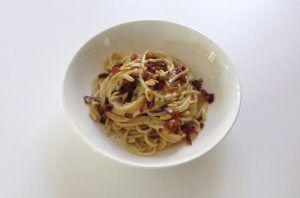 Spaghetti al gorgonzola e radicchio trevigiano