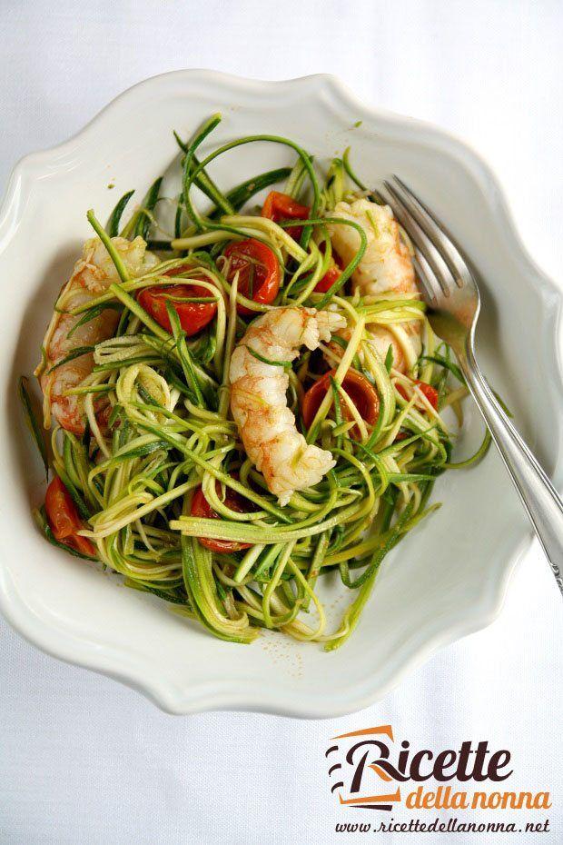 foto-spaghetti-di-zucchine-con-pomodorini-e-gamberoni