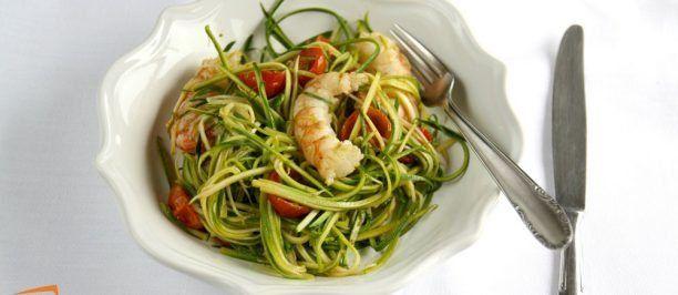spaghetti-di-zucchine-con-pomodorini-e-gamberoni