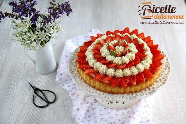 Torta con crema al lime e fragole