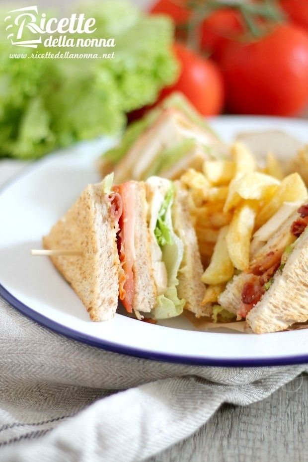 Foto club sandwich di pollo