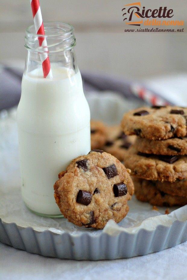 Foto cookies croccanti al cioccolato senza uova e senza burro
