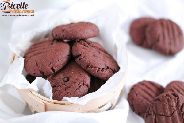 Biscotti al doppio cioccolato senza uova e senza burro