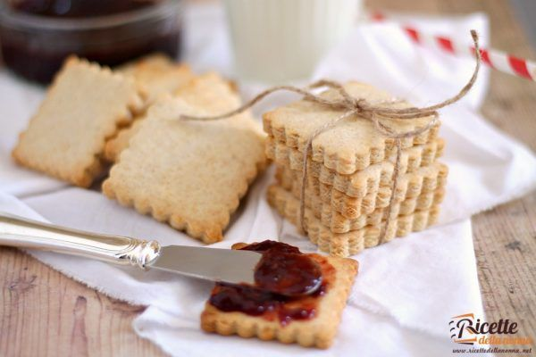 Biscotti secchi senza uova o petit beurre fatti in casa