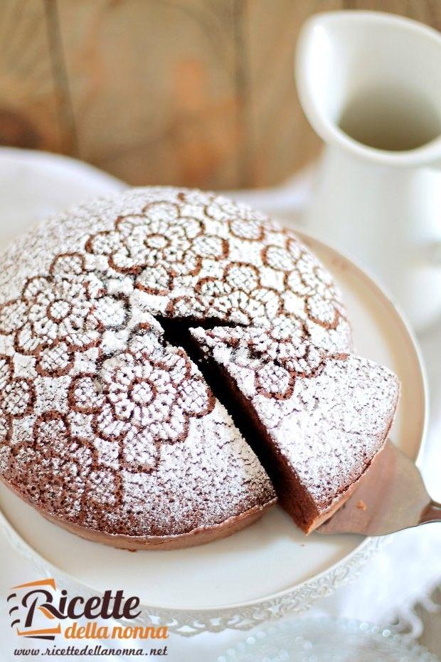 Foto torta al latte caldo e cacao