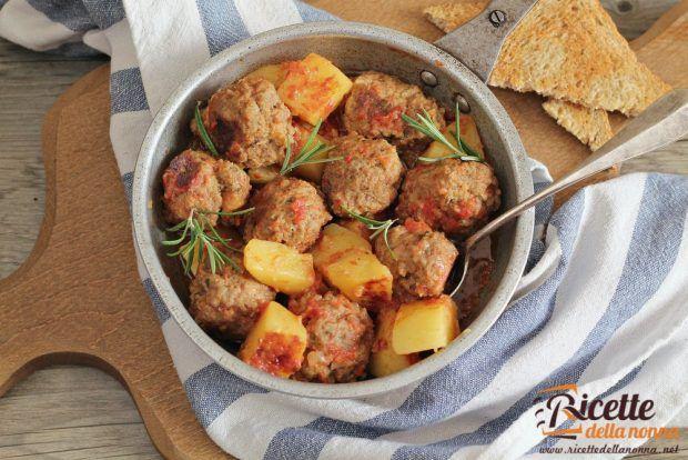 Ricetta polpette in umido con patate