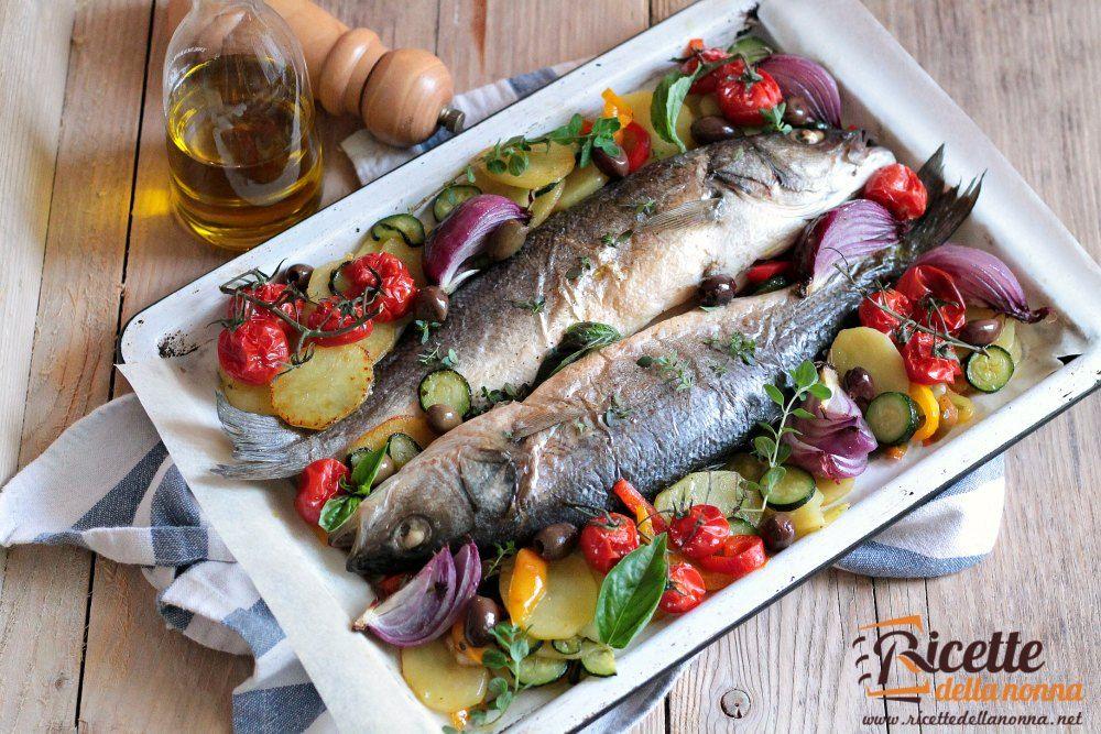 Spigola al forno con verdure ricette della nonna for Ricette veloci pesce