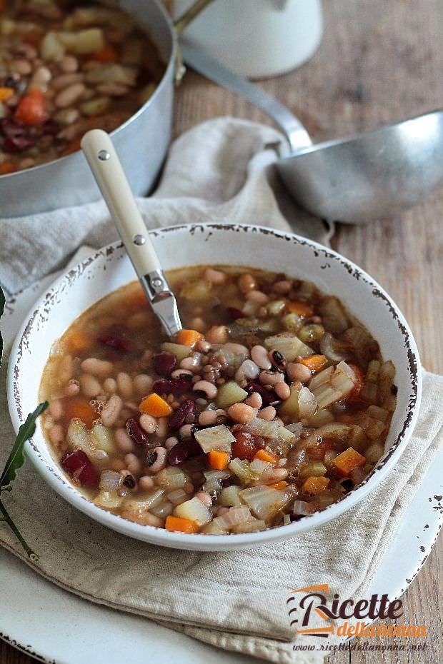 Foto buzzega zuppa ricca di legumi