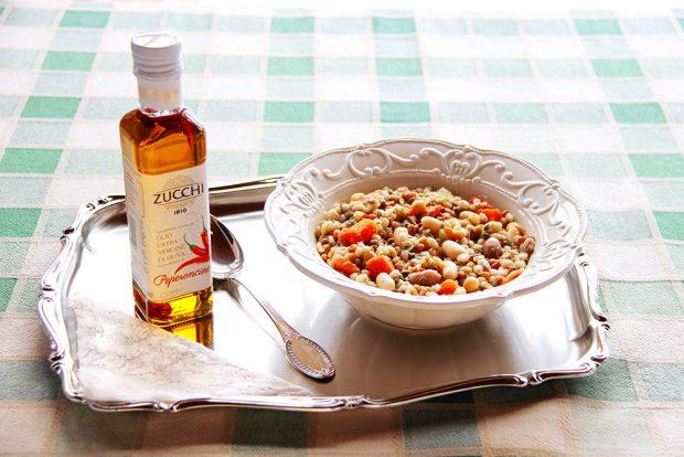 Zuppa di farro, patate e lenticchie