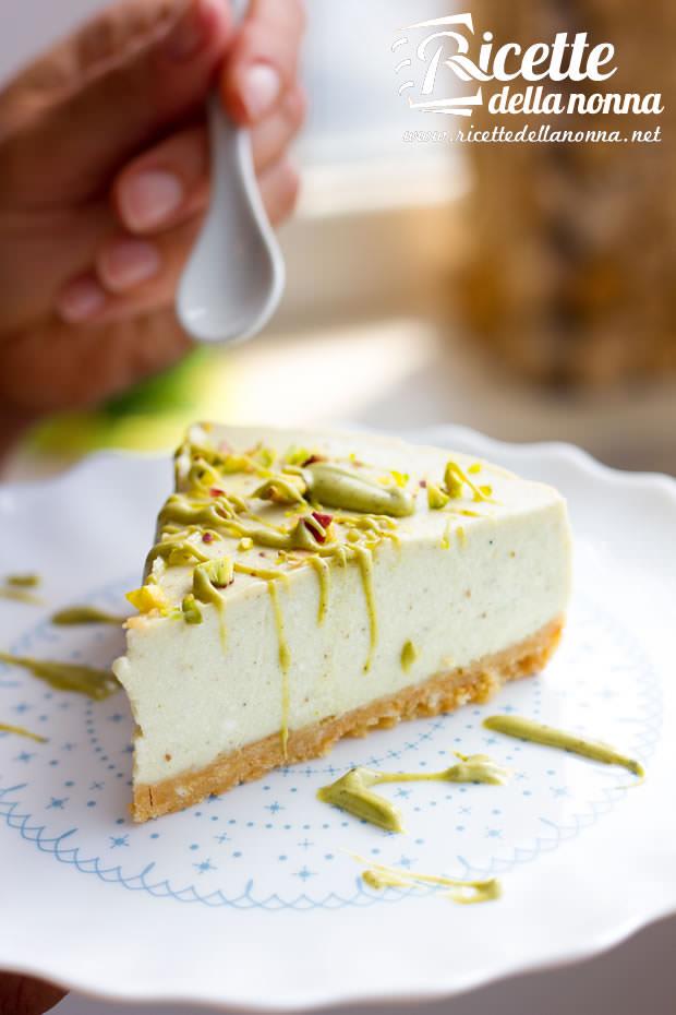Fetta cheesecake alla crema di pistacchio D'Amico